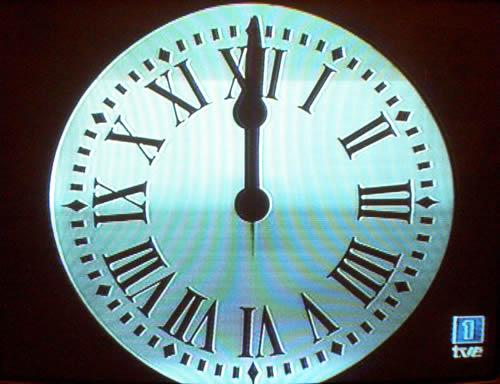 12 uvas cada 12 meses la tradici n de nochevieja mentes for Puerta del sol uvas