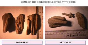 Izquierda tejas sin cocer, Derecaha una cruz y otros objetos