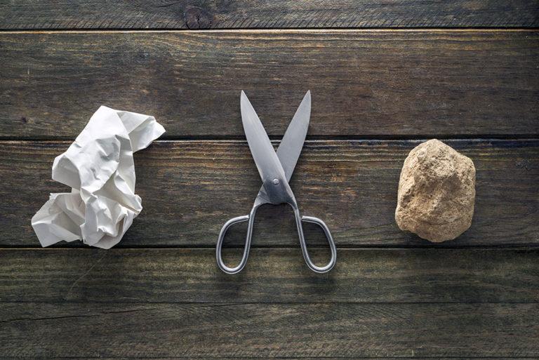 ¿Cómo ganar al piedra, papel o tijera?